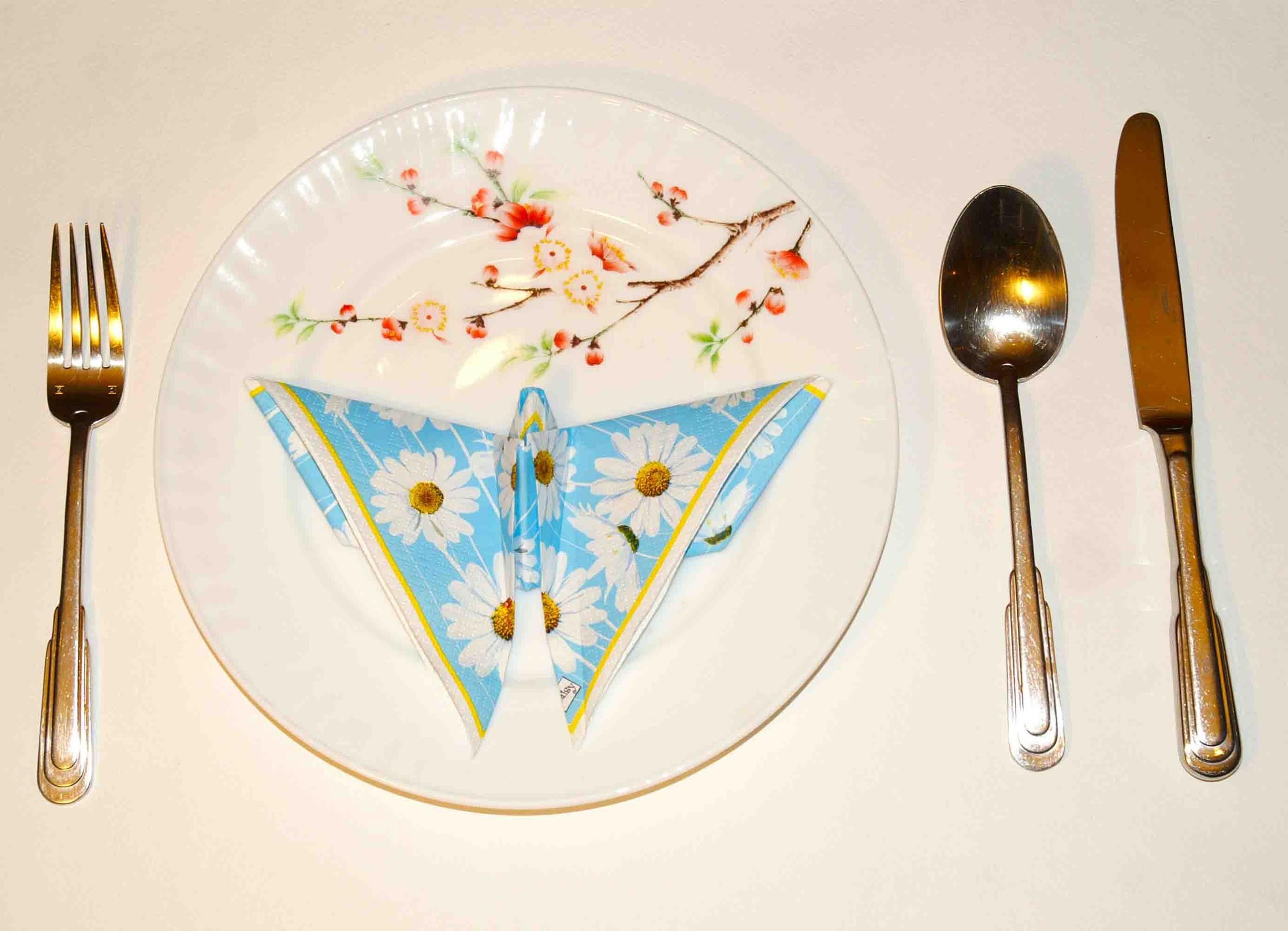 Салфетки оригами для сервировки стола