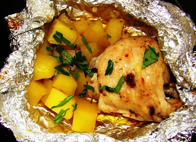 Сколько запекать картошку в духовке под фольгой — 10