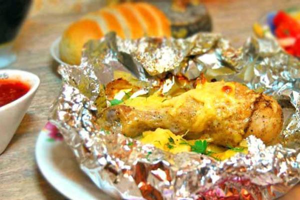 Курица с картошкой в фольге в духовке