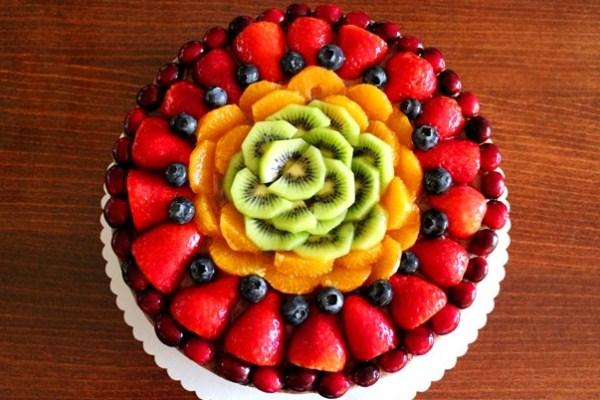 Украшения торта фруктами 98