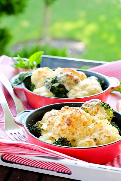 Запечь брокколи в духовке с сыром