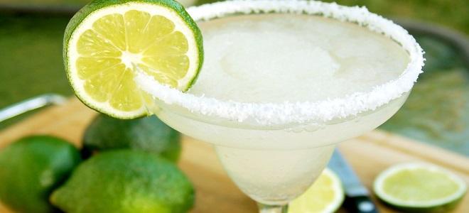 алкогольный коктейль маргарита