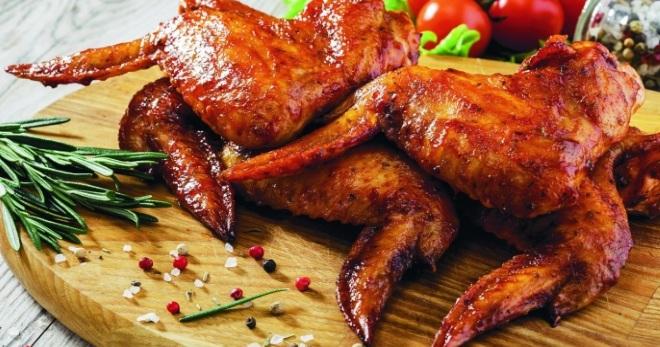 Вкусное блюдо из крылышек