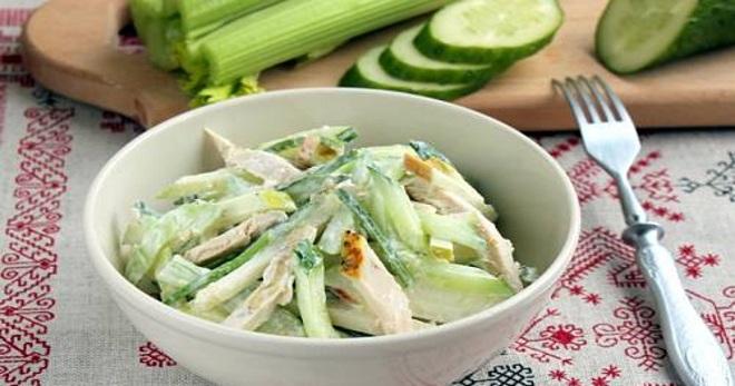Рецепт салата со стебляи сельдерея