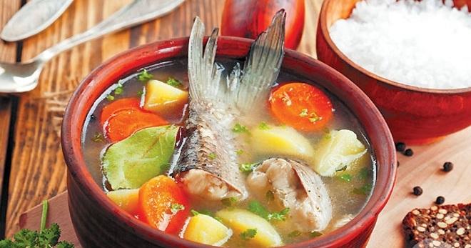 Суп из рыбьей головы горбуши