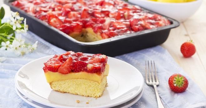 Пирог из ягоды земляники