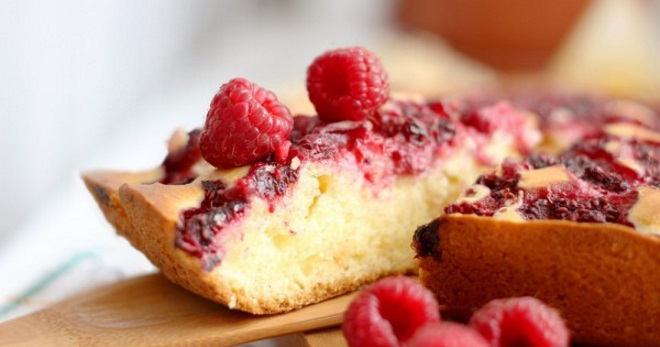 Открытый пирог с малиной и сметаной рецепт 77