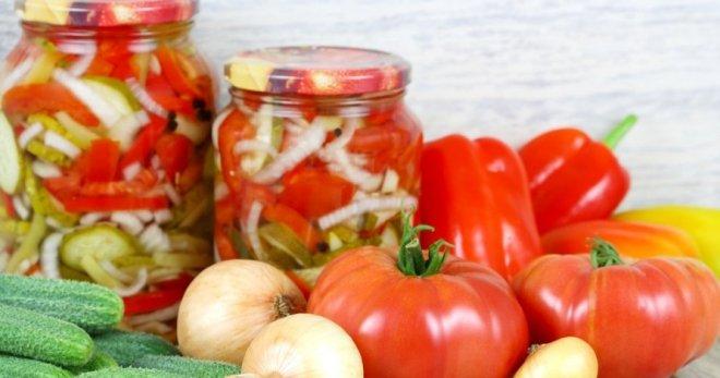 Какой салат на зиму можно сделать из крупных огурцов — photo 1
