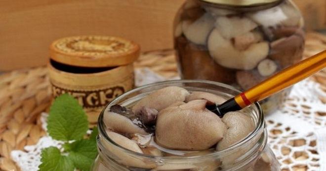 Маринованные маслята с гвоздикой - рецепт пошаговый с фото