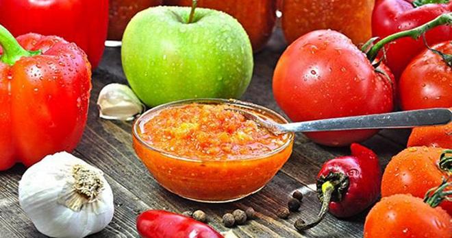 Кабачковая аджика рецепт на зиму с яблоками и помидорами