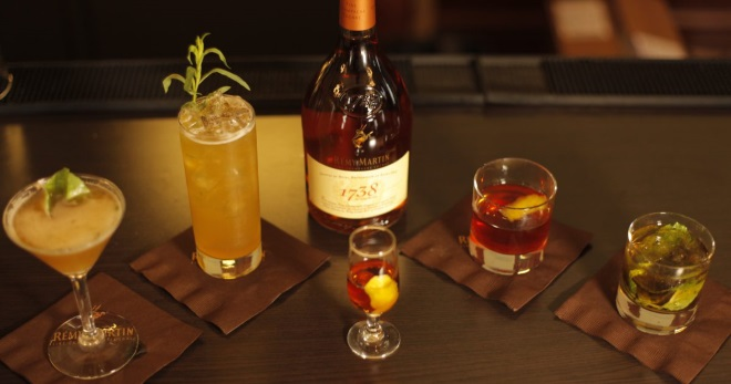 Коктейли с коньяком - лучшие идеи приготовления алкогольных напитков