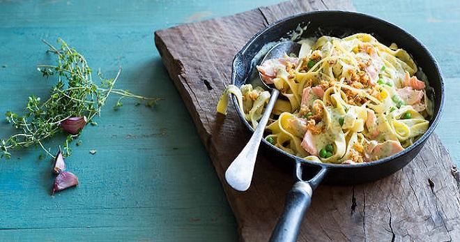 Макароны с соусом из рыбы со сливками
