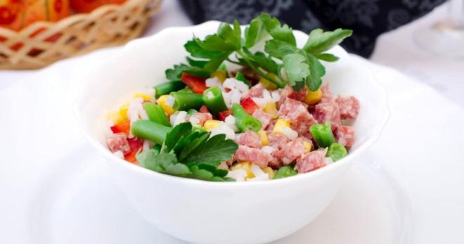 салаты рецепты простые из вареной колбасы