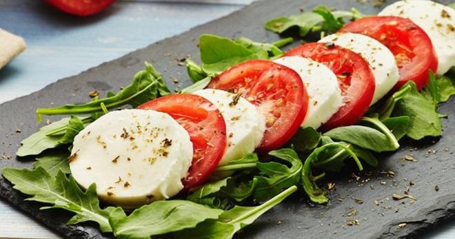 Итальянский салат - восхитительно вкусные рецепты сытных закусок