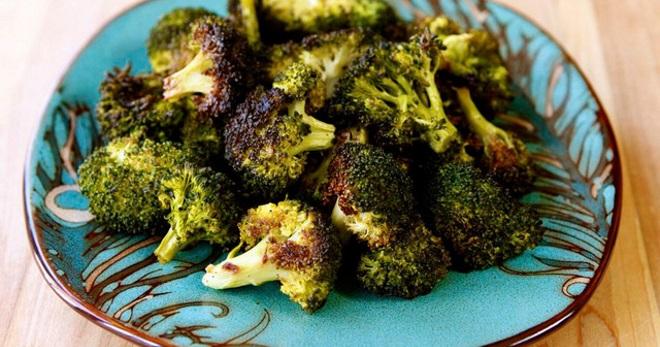 Что можно приготовить с капустой брокколи и мясом — photo 9