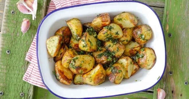 Что можно приготовить из картошки по простым и вкусным рецептам?