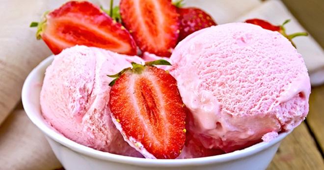 клубничное мороженое фото