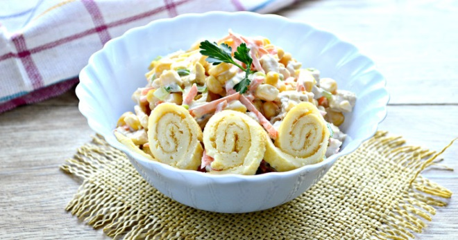 Салат с яичными блинчиками - сытное, оригинальное и очень вкусное блюдо!