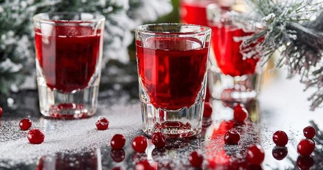 Настойка на клюкве - вкусный и ароматный алкогольный напиток