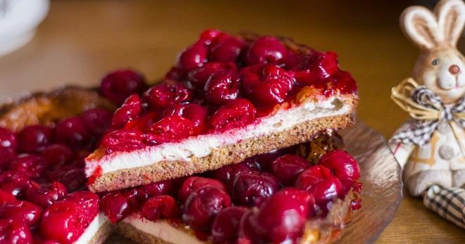 Пирог с замороженными ягодами – рецепты из песочного, дрожжевого, слоеного теста