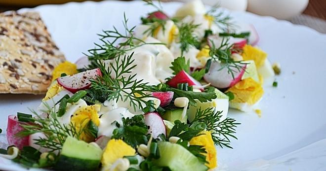 Салат с редиской и огурцом - вкусное, свежее, весеннее блюдо!