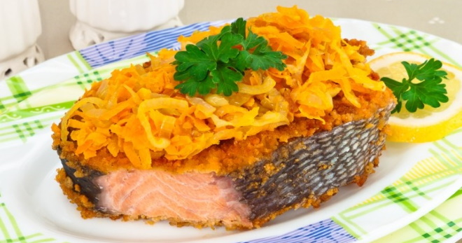 Горбуша с морковкой и луком в духовке - очень вкусная, сочная рыба для любого стола!