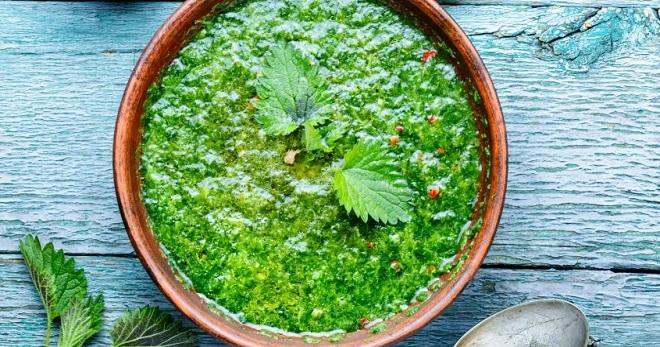 Суп из крапивы - очень вкусное свежее весеннее блюдо!