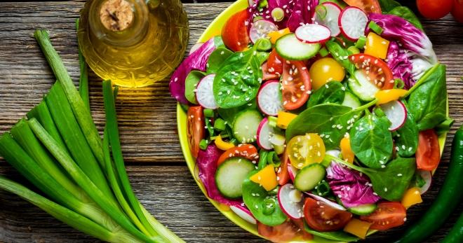 Легкие летние салаты - лучшие рецепты закусок в жаркий день!