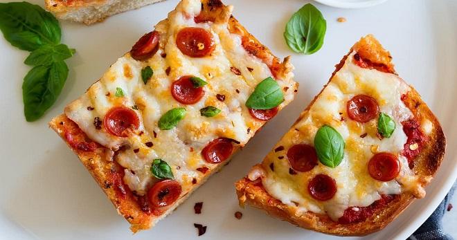 Пицца из батона на сковороде - самый быстрый и вкусный завтрак!
