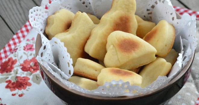 Домашнее печенье на сметане - быстрое и вкусное лакомство для всей семьи