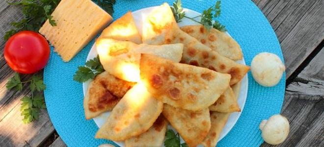 чебуреки с грибами и сыром рецепт