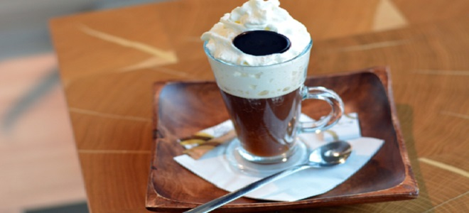Как правильно пить кофе гляссе