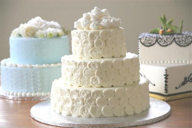 Как украсить торт зефирным кремом
