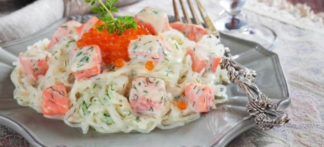 Карбонара с лососем в сливочном соусе
