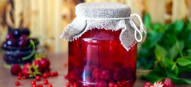 компот из фруктов и ягод на зиму