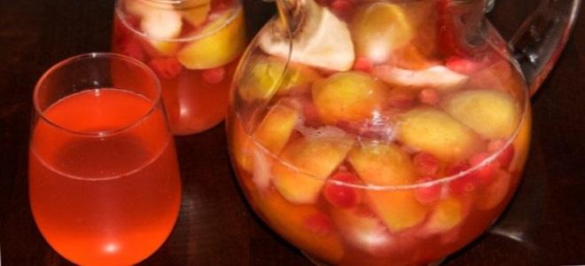 виноград с яблоками компот
