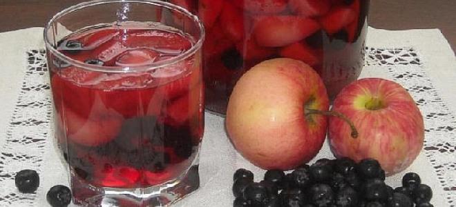 Компот из яблок и черники на зиму