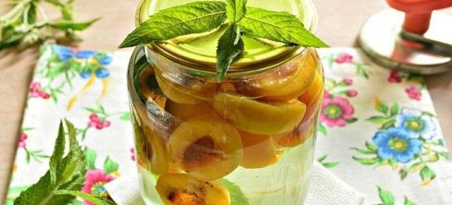 компот из зеленых персиков на зиму