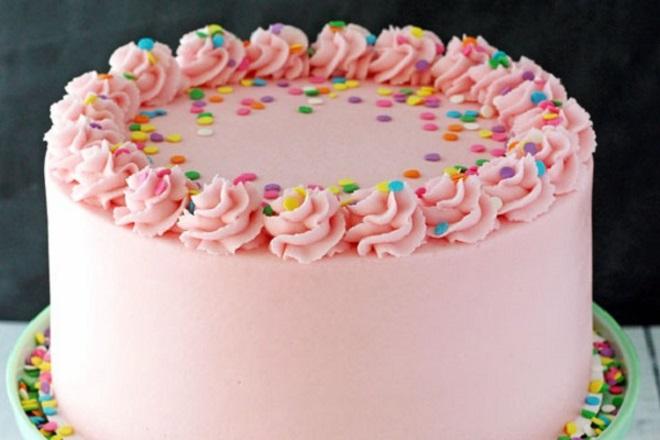 Красивый торт из крема для девочки 7