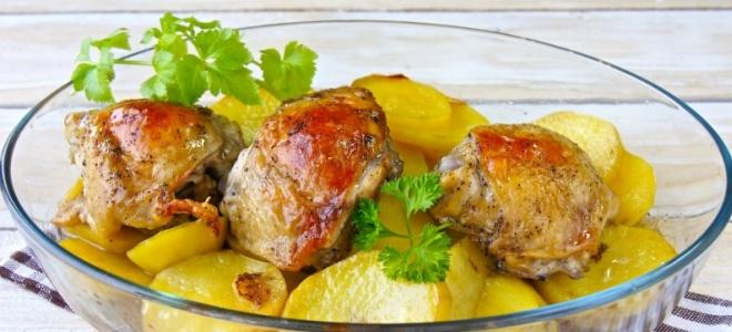 Куриные бедра с картошкой в мультиварке – рецепт
