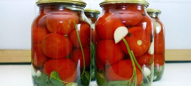 Острые соленые помидоры на зиму в банках