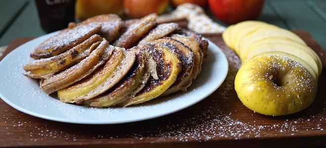 Постные оладьи на дрожжах с яблоками
