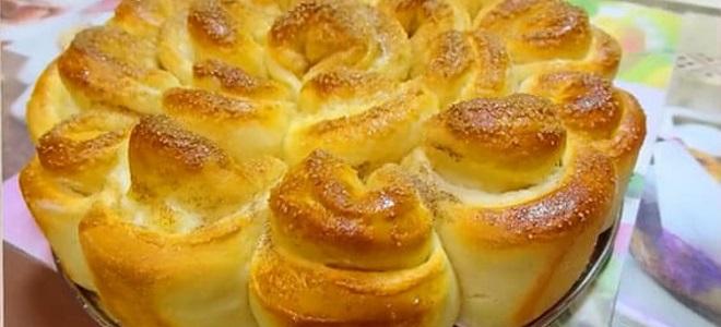 Как приготовить сдобные булочки в духовке