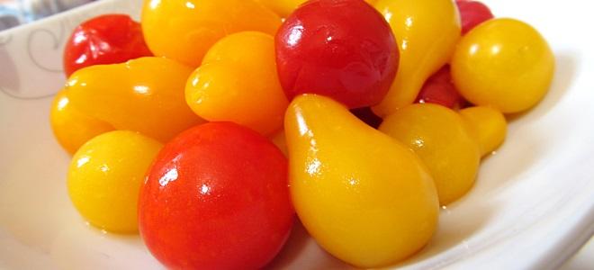 Рецепт соленых помидоров в банках с базиликом