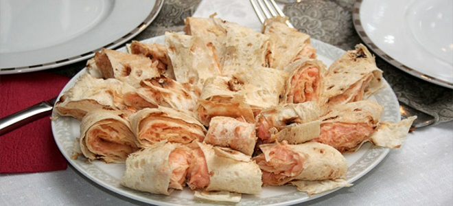 Рулет из лаваша с творожным сыром и горбушей - рецепт пошаговый с фото