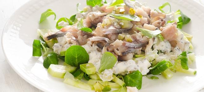 Слоеный салат со скумбрией и овощами - рецепт пошаговый с фото