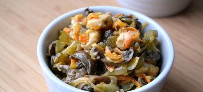 Салат Обжорка с колбасой и свежим огурцом - рецепт пошаговый с фото