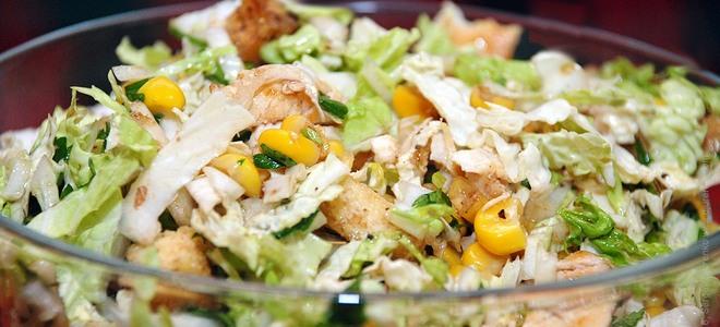 Салат из капусты и куриной грудкой