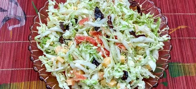 salat_s_sayroy_i_kapustoy_.jpg