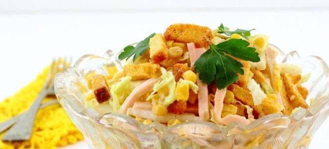 салат с сухариками для детей